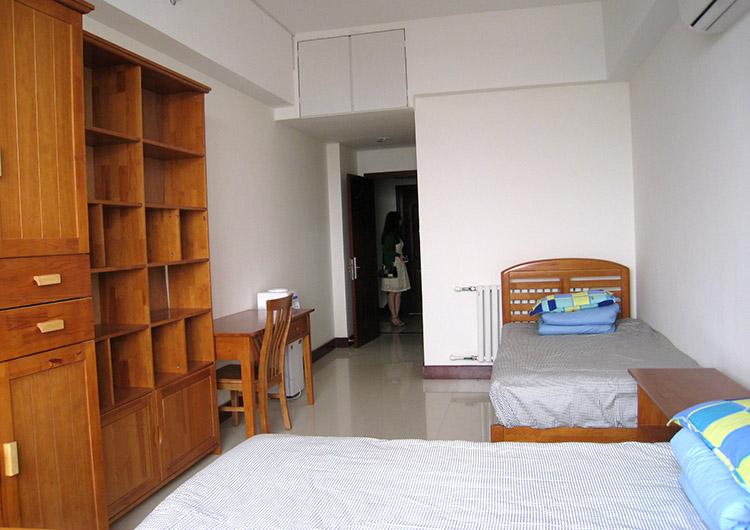 留学生宿舎の2人部屋