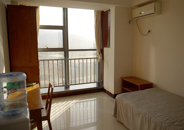 留学生宿舎の1人部屋
