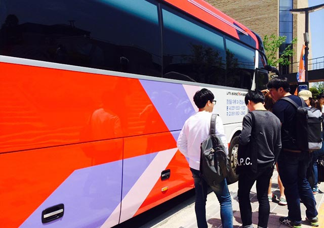 最寄り駅から大学まではシャトルバスも出ています