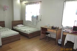 ▲学生寮・2人部屋の例