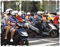 ▲確かに台北はバイクがいっぱい、虫もいっぱいですが。。