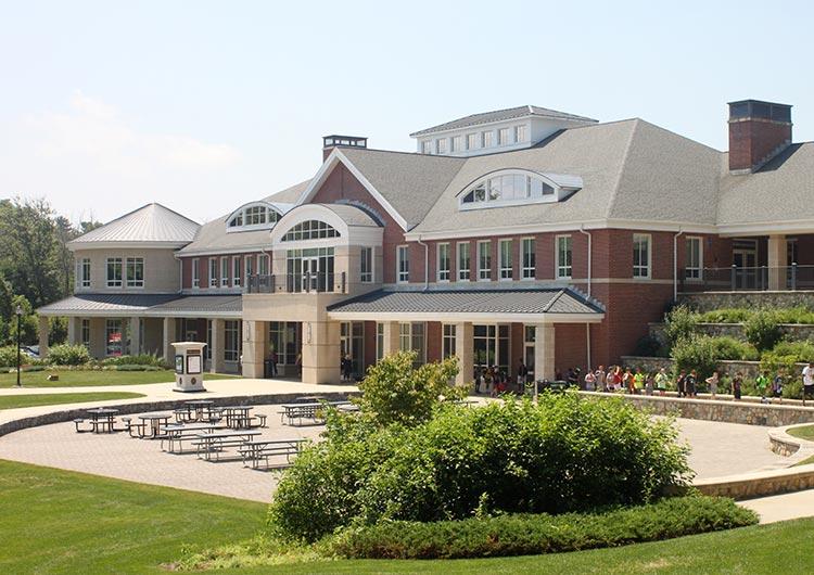 ボストン郊外にあるカリー大学