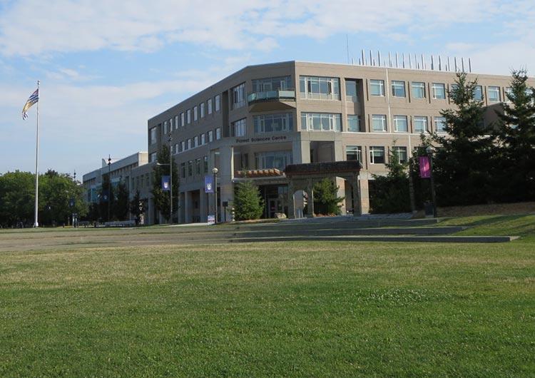 カナダでは常にトップ3に入る名門大学