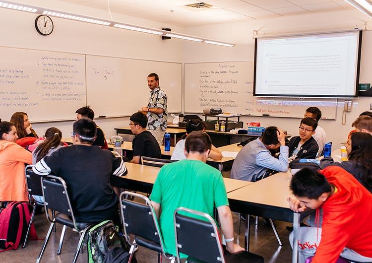 経験豊かな教師陣が指導